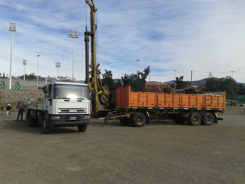 Obra en Mendoza con pilotera IMT AM 80