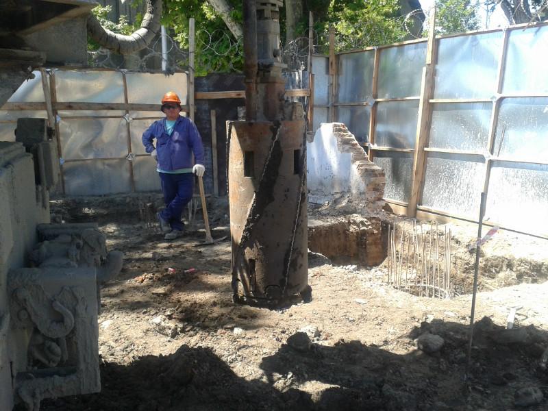 3 máquinas trabajando en Barracas - Provincia de Buenos Aires